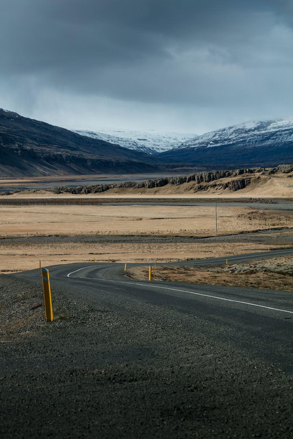 被雪覆盖的群山